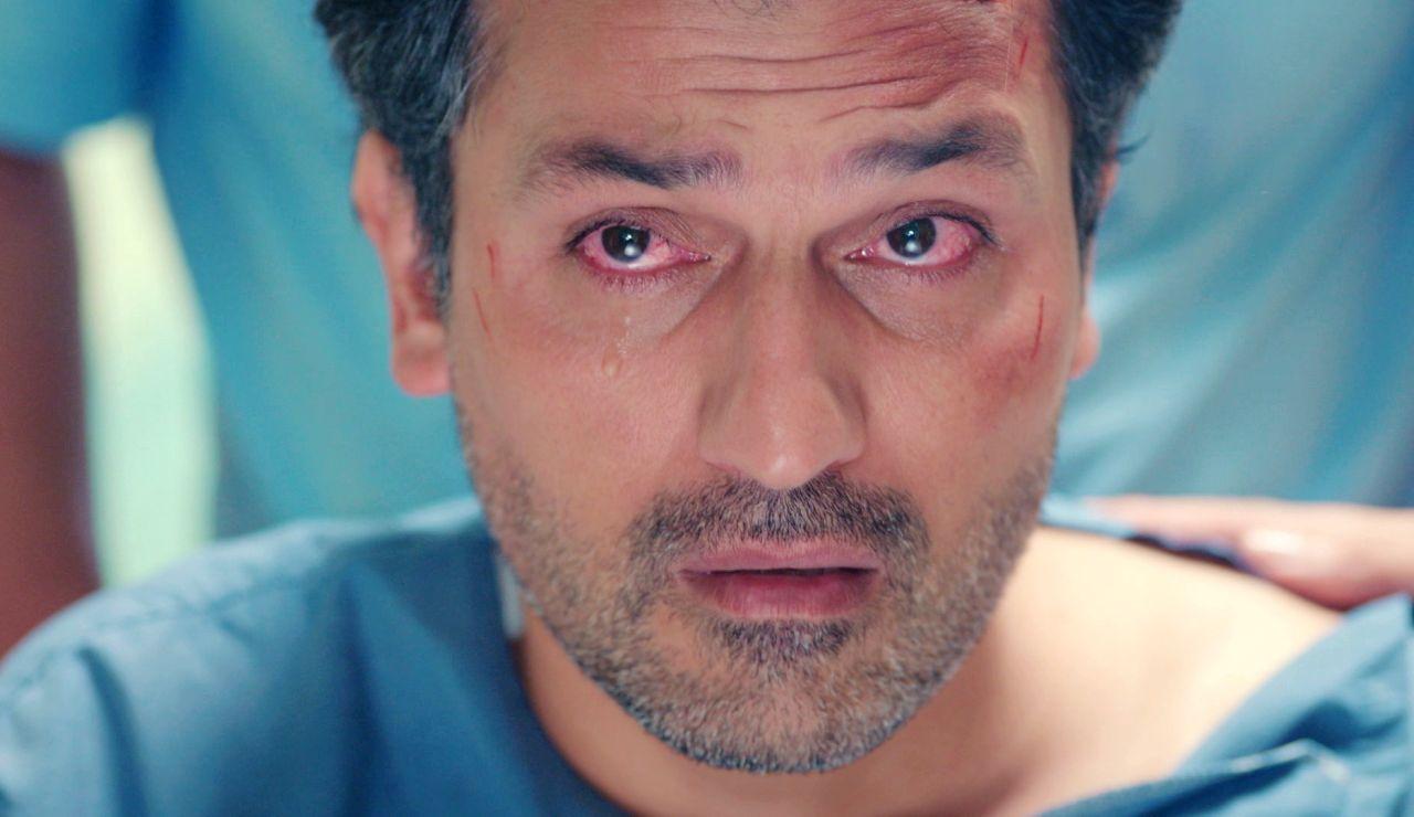 Arif, roto de dolor y culpabilidad al ver a Enver tras el accidente en 'Mujer'