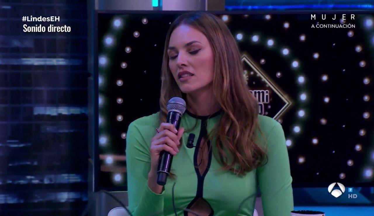 Helen Lindes vence su timidez y canta en directo en 'El Hormiguero 3.0'