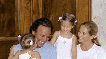 Victoria y Cristina, hijas de Julio Iglesias y Miranda Rijnsburger