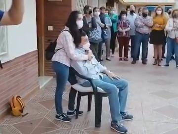 Recibimiento sorpresa a Luis