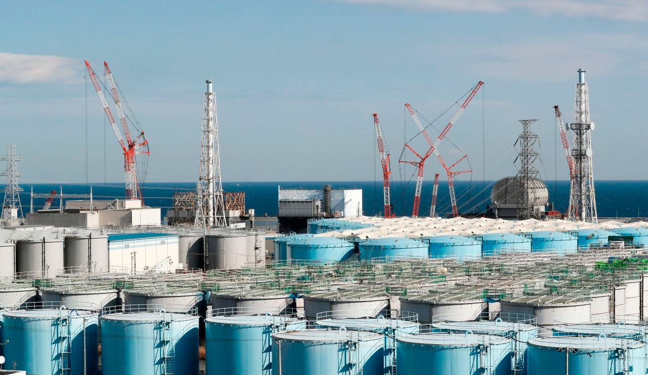 Japón vertirá al Pacífico el agua contaminada de la central de Fukushima