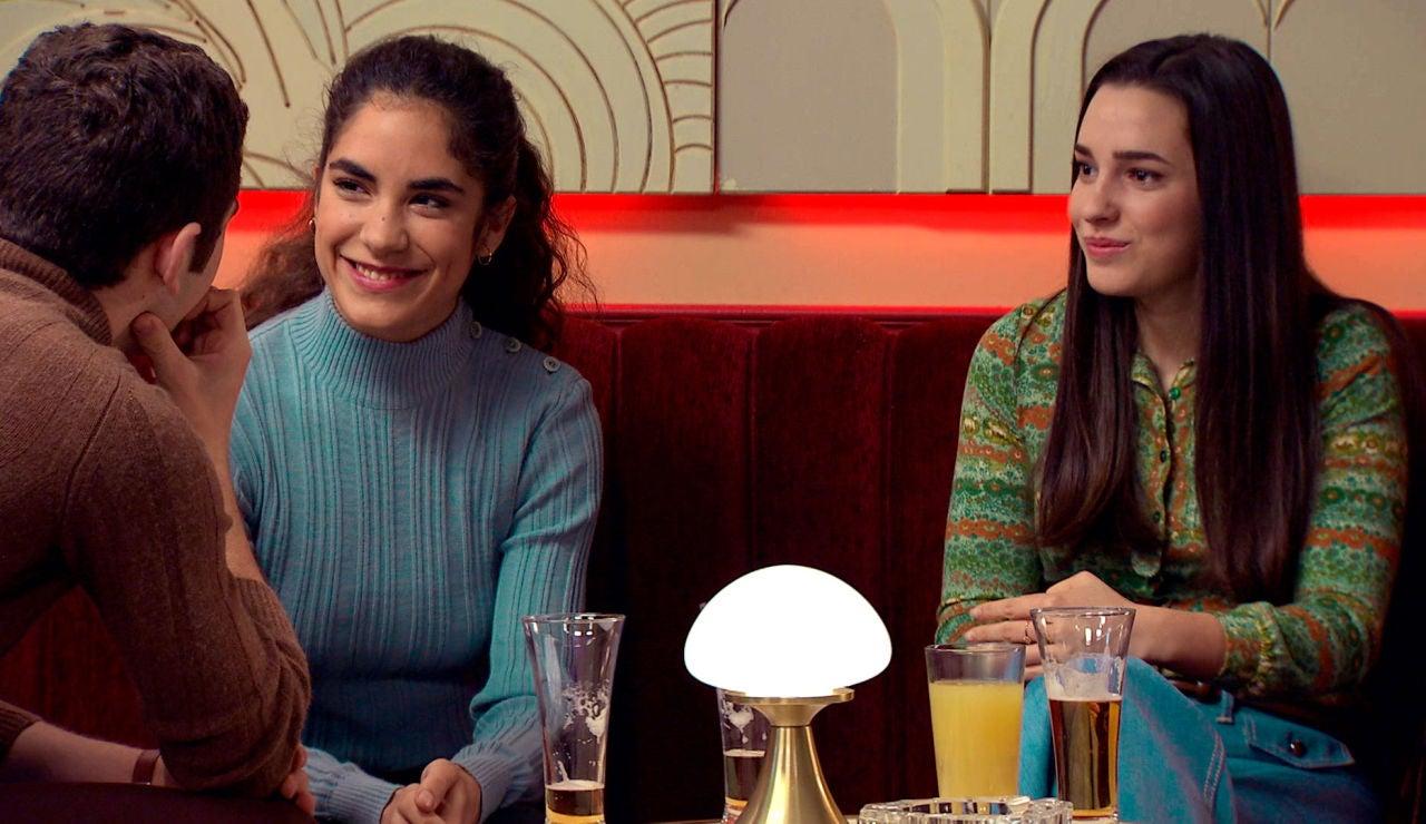 Emma, incómoda al presenciar la gran complicidad entre Manolín y Anabel