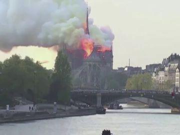Macron mantiene su compromiso para que Notre Dame esté reconstruida para 2024