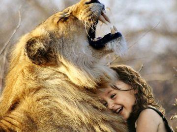 La importancia de recuperar los abrazos y los besos