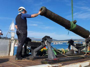 Recuperan en Galicia 2 cañones sumergidos que podrían ser del siglo XVI