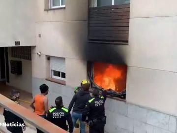 Dos muertos y varios heridos en el incendio de una casa de Girona