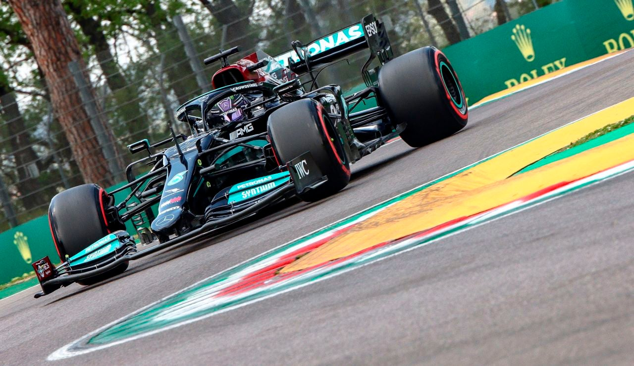 Hamilton consigue la pole en Italia por delante de Pérez y Verstappen, Sainz 11º y Alonso 15º