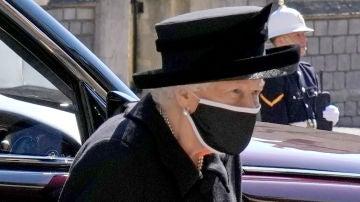 la Reina Isabel II en el funeral del Duque de Edimburgo