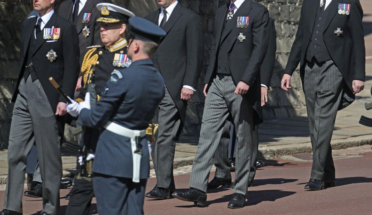 El frío reencuentro del príncipe Harry con su hermano el príncipe Guillermo en el funeral del Duque de Edimburgo