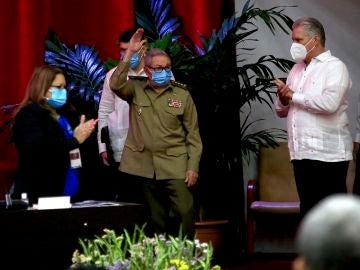 Raúl Castro anuncia su retirada al frente del Partido Comunista de Cuba