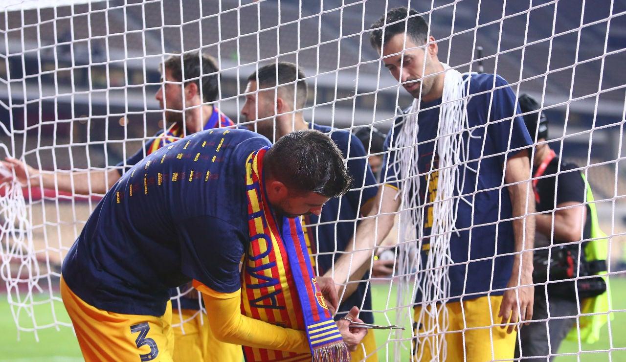 Piqué vacila a Ibai Llanos tras ganar la Copa del Rey y presume de ser el segundo jugador español con más títulos