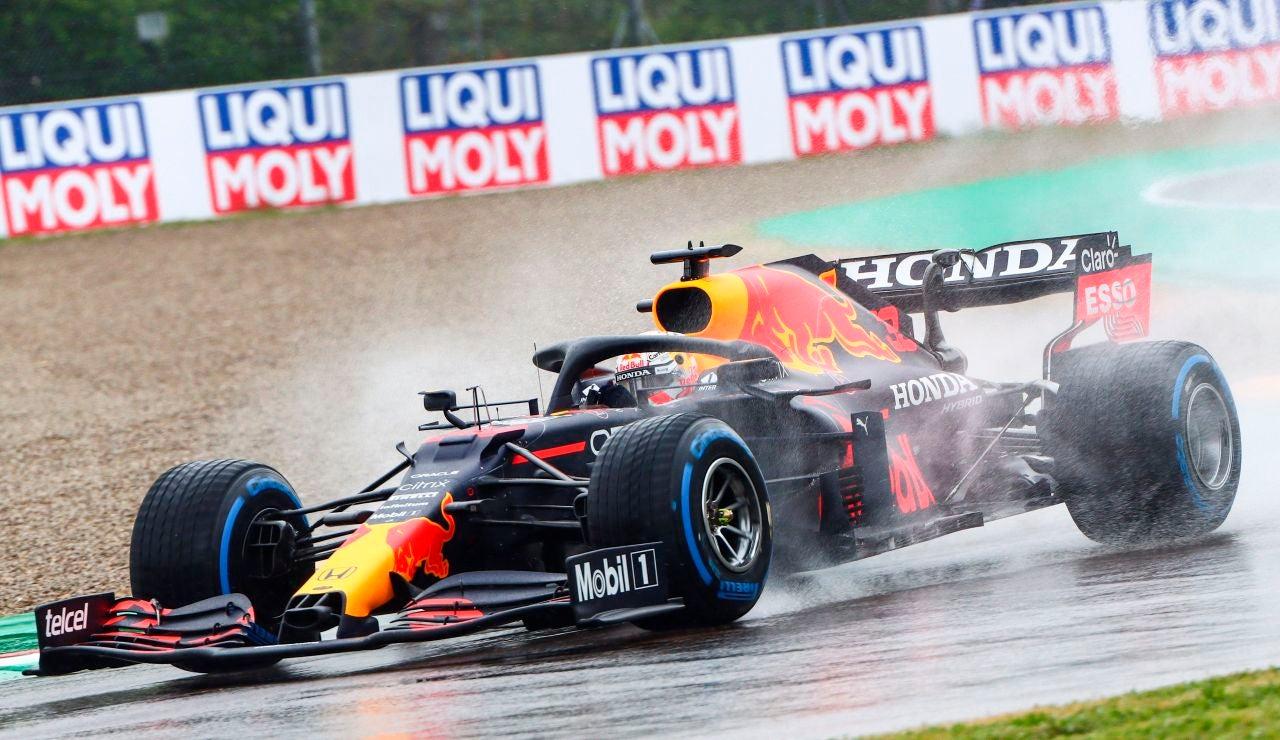 Verstappen gana el Gran Premio de Emilia Romagna tras una accidentada carrera, Sainz 5º y Alonso 11º