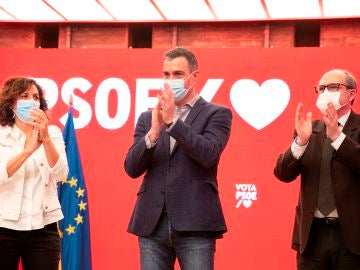 Irene Lozano, Pedro Sánchez y Ángel Gabilondo, en el primer acto de la campaña en Madrid