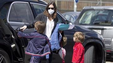 Sara Carbonero con sus hijos