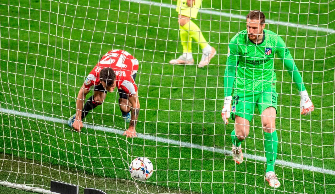 El Atlético de Madrid pierde en San Mamés ante el Athletic y pone la Liga al rojo vivo