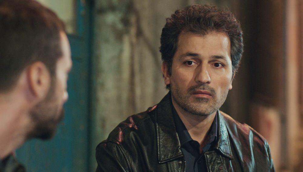Arif recupera su cafetería y tendrá que encontrar otra forma de pagar a Talat