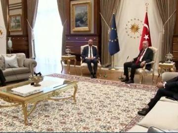 Asientos reunión UE con Turquía