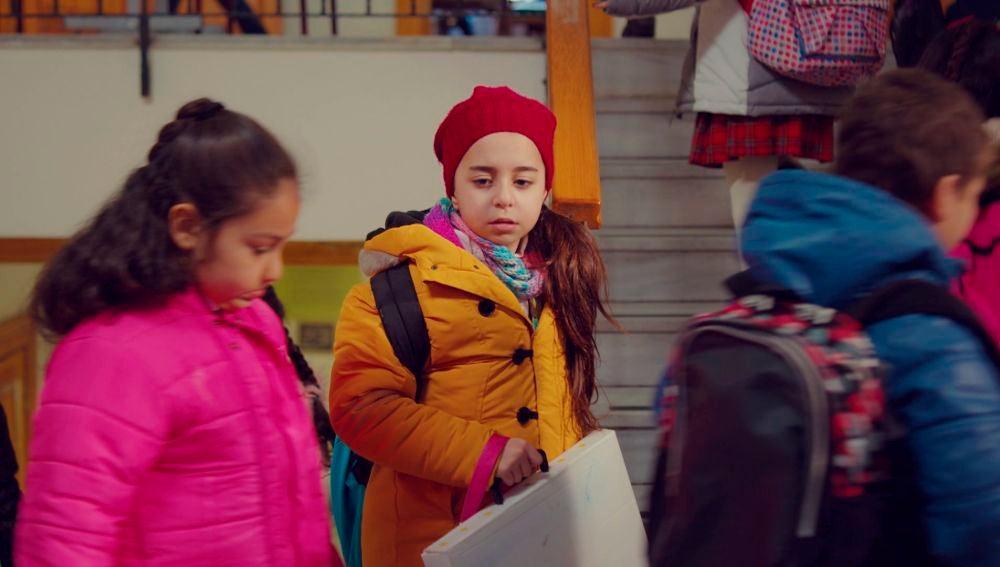 La desgarradora llamada de Demir a Candan: no sabe dónde está Öykü