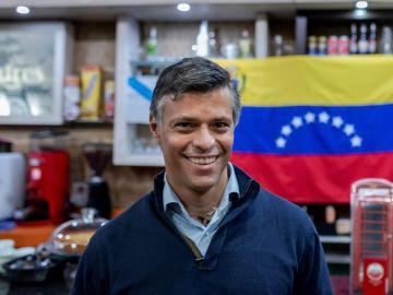 Apoyo a leopoldo López tras cancelarse un acto en la Complutense