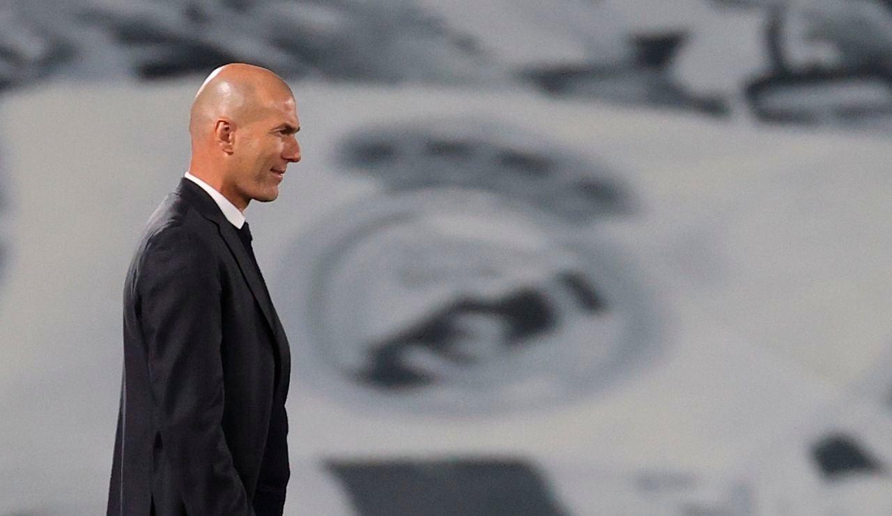 """Zidane, sobre una posible sanción de la UEFA: """"Es absurdo pensar que no vamos a estar en la Champions"""""""