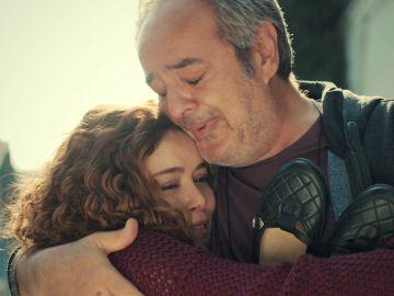 ¡Un milagro! Enver y Sirin recuperan el último recuerdo que queda de Hatice