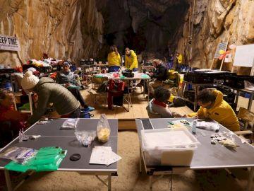 Deep Time, el experimento en el que 15 personas han pasado 40 días aislados en una cueva de Francia
