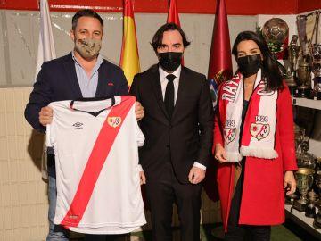 """Santiago Abascal agradece al Rayo la invitación: """"Vallecas no merece ser conocida por un puñado de energúmenos"""""""