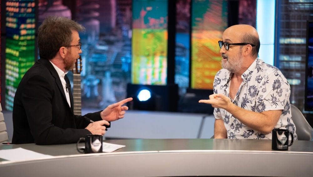 """El consejo de Pedro Almodóvar a Javier Cámara tras 'Hable con ella': """"Tienes que estudiar inglés"""""""