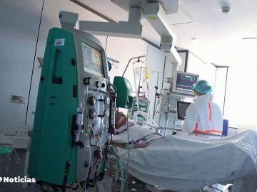 Una mujer de Álava que recibió la vacuna de AstraZeneca, en coma inducido por un trombo cerebral