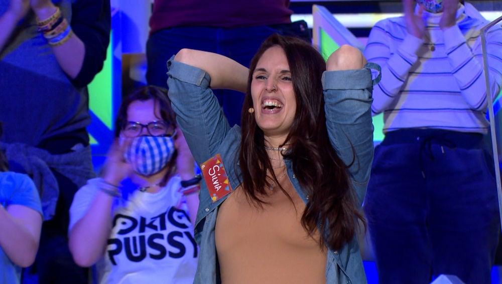 ¡A lo loco! Silvia se lleva el bote de 'La ruleta de la suerte' a pesar de sus dudas