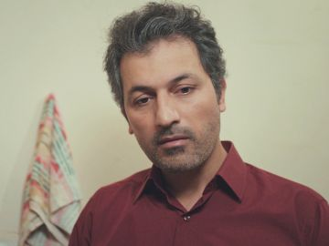 Avance de 'Mujer': Arif encuentra consuelo ante la amenaza de Sirin