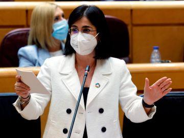 La ministra de Sanidad, Carolina Darias, en el Senado