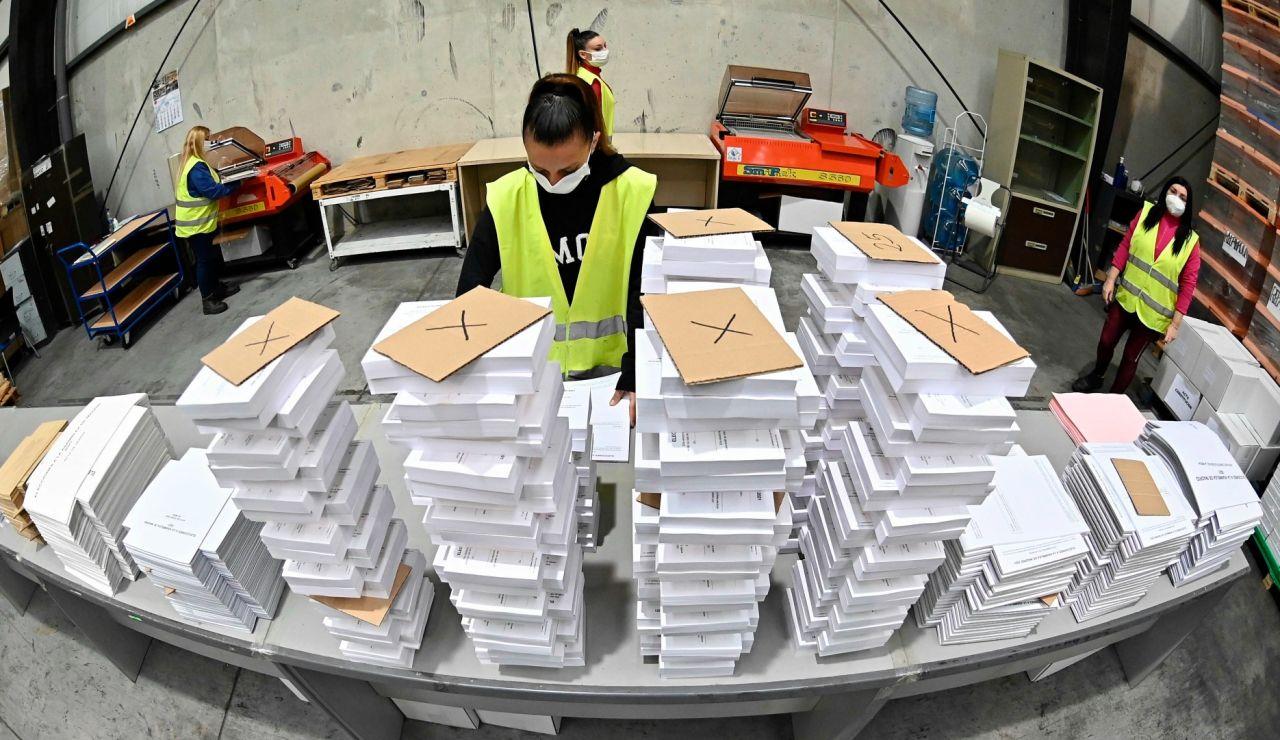 Hoy es el último día para entregar el voto en Correos para las elecciones de Madrid del 4M