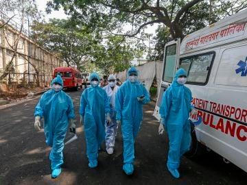 La OMS advierte de que la variante india del coronavirus es más contagiosa y resistente a vacunas