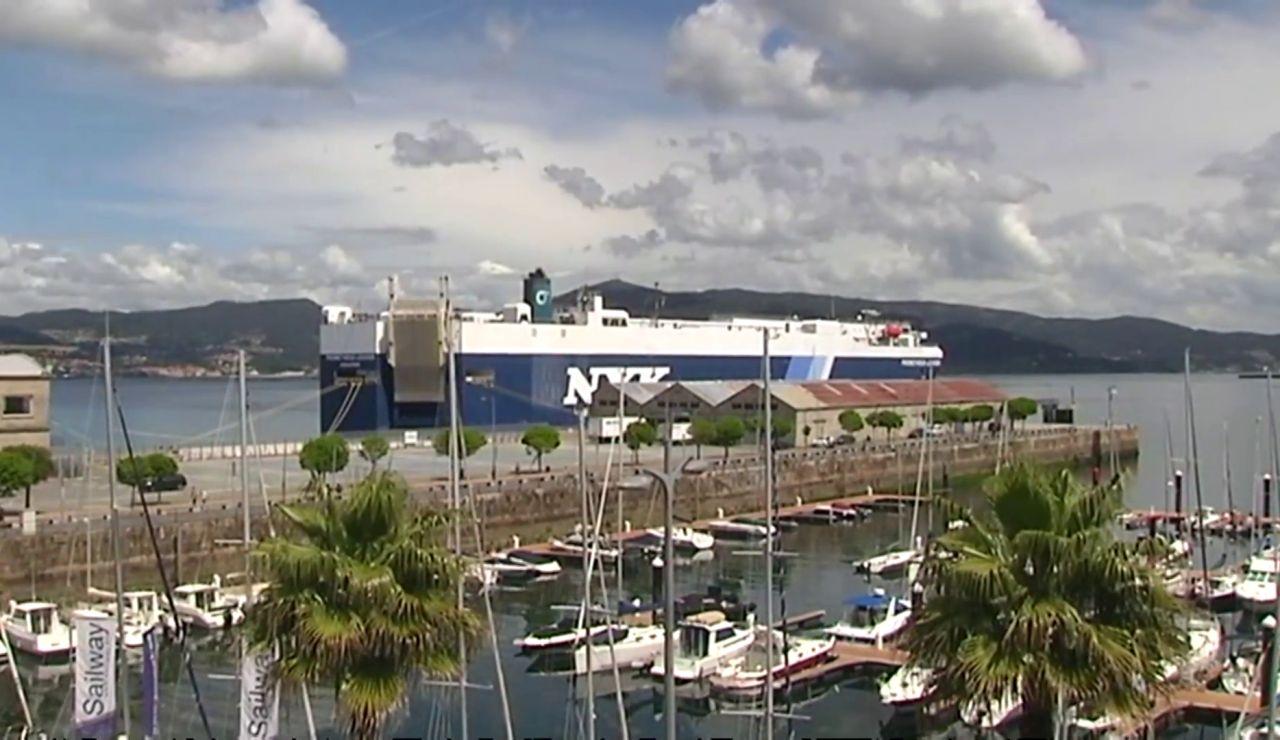 Un carguero de Singapur, confinado en el puerto de Vigo