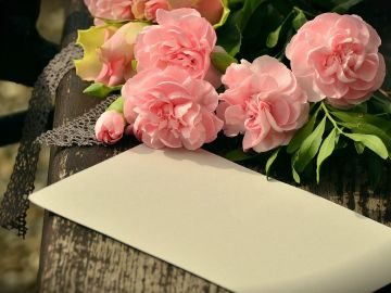 9 ideas de regalos para el Día de la Madre a domicilio: Enviar flores, desayunos y otros regalos