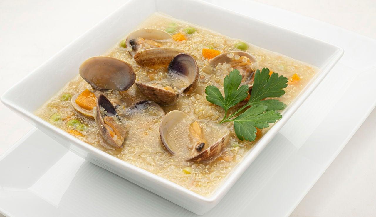 Cocina variada de Karlos Arguiñano: receta de sopa de quinoa con almejas