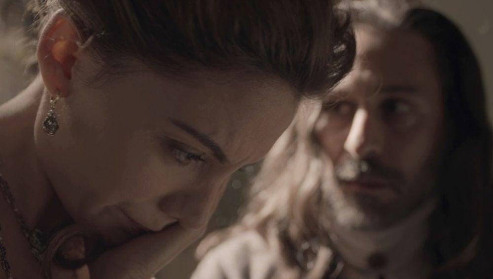 """Enrique abofetea con crueldad a Amelia: """"Lo único que tiene que hacer es meter a Diego en su cama"""""""