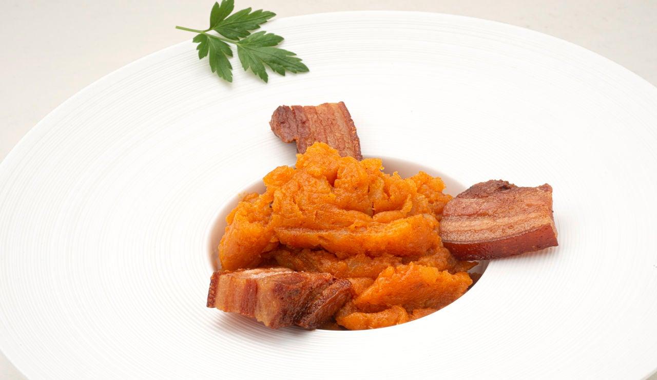 """Receta de patatas meneás con torreznos, de Karlos Arguiñano: """"Hemos gastado 4 pesetas"""""""