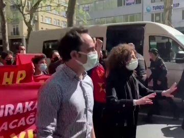 Manifestantes en el Día del Trabajador en Estambul