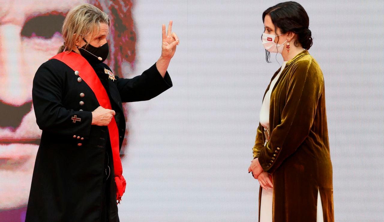 """Nacho Cano devuelve la Cruz del 2 de Mayo a Isabel Díaz Ayuso: """"Por ser tan buena presidenta, te la mereces tú"""""""