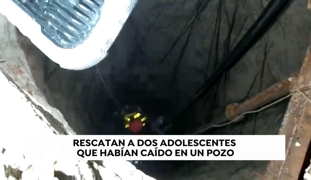 Rescatan a 2 menores de un pozo de 7 metros de profundidad en Toledo