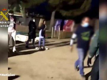 La Policía desaloja una macrofiesta universitaria con 400 estudiantes en Madrid