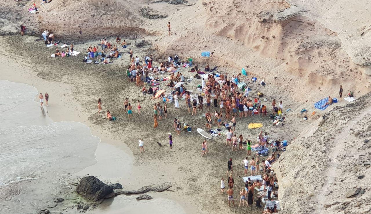 Coronavirus: Centenares de personas en dos fiestas ilegales en Tenerife