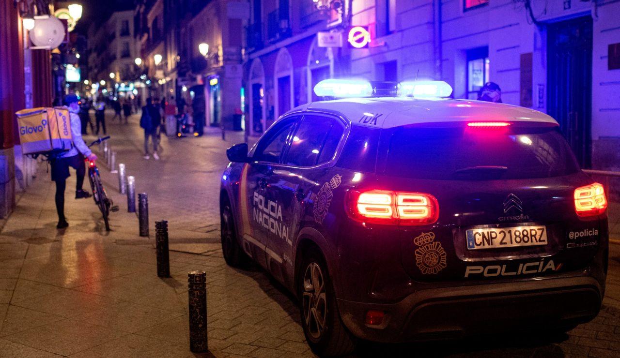 La Policía patrulla por las calles de Madrid