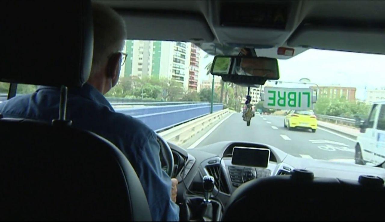 Antonio, el taxista malagueño encargado de transportar riñones, hígados y demás órganos para trasplantar
