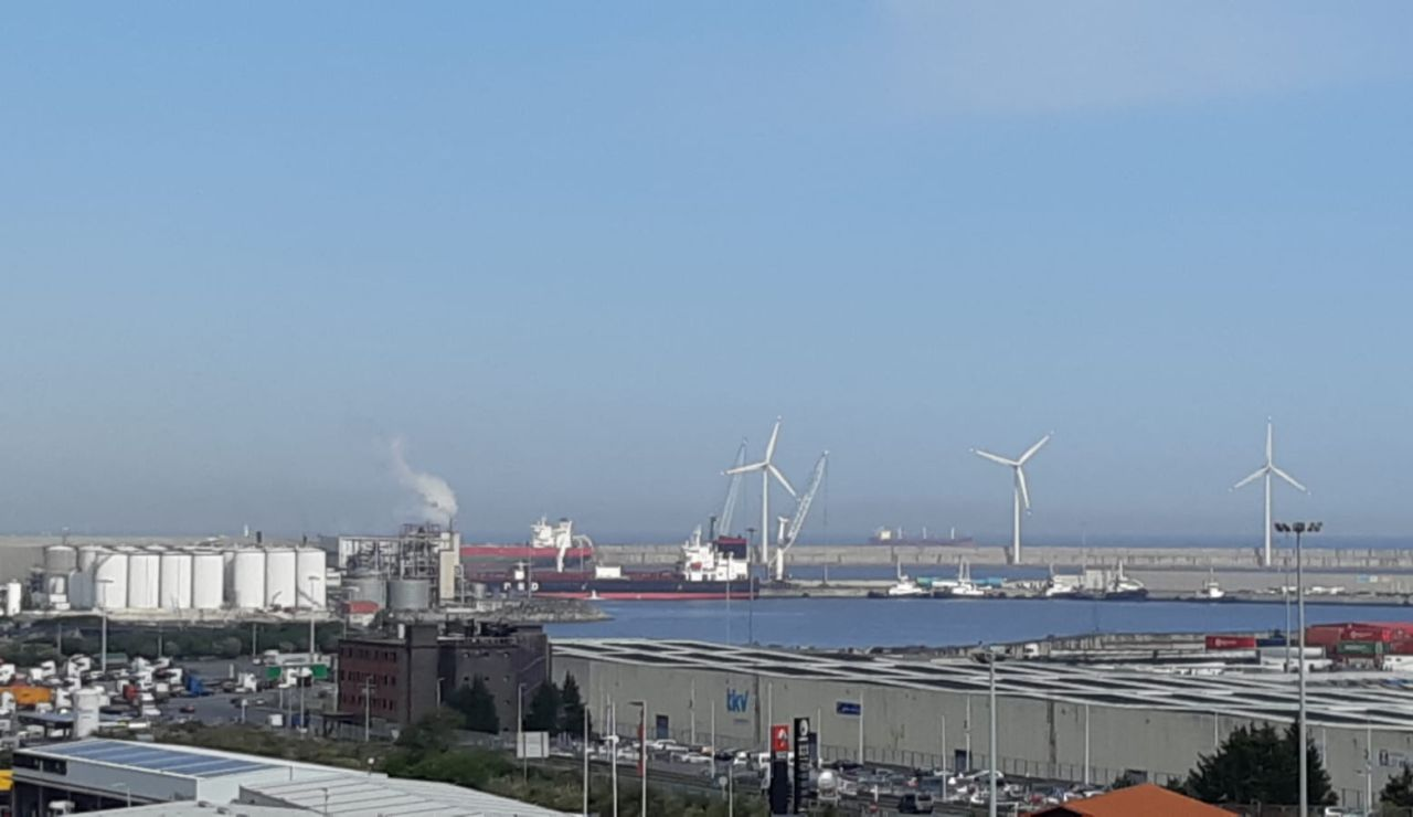 Barco petrolero 'Stavanger Pearl' en cuarentena en el puerto