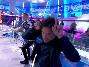 Enrique Arce desata la locura bailando 'El venao'