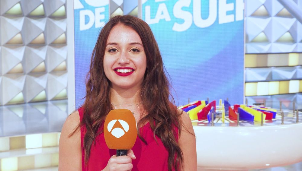 """La emoción supera a Marta al llevarse el coche de 'La ruleta de la suerte': """"No me lo podía creer"""""""