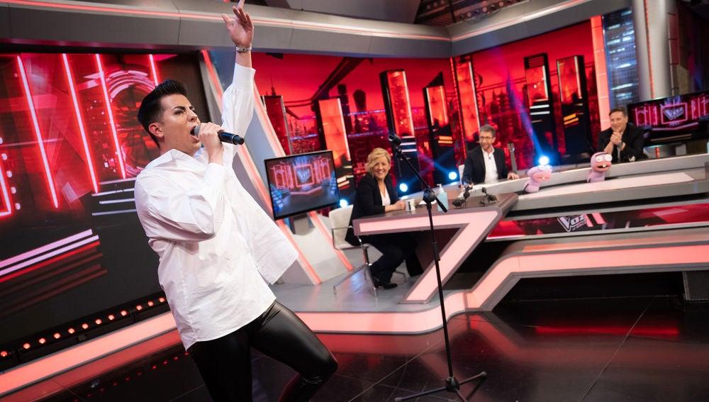 """Carlos Latre se convierte en coach de 'La Voz' durante la sección de Trancas y Barrancas: """"No canta un pimiento"""""""